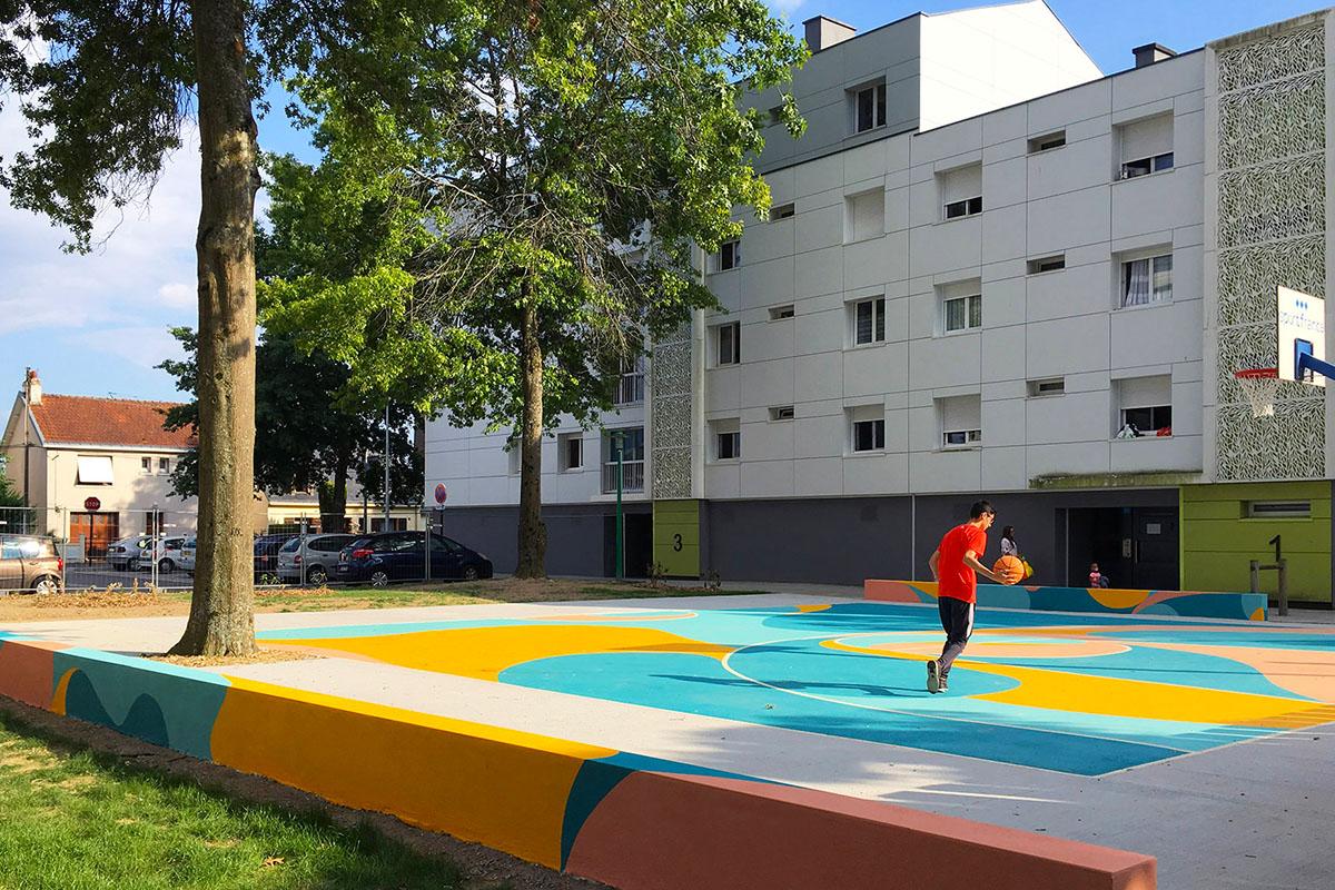 peinture au sol nantes jaune turquoise bellevue nantes basket peinture au sol