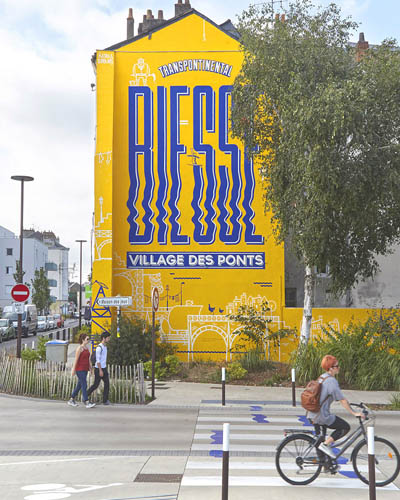 signalétique urbaine maison maj nantes il de nantes biesse peinture decoration jaune bleu