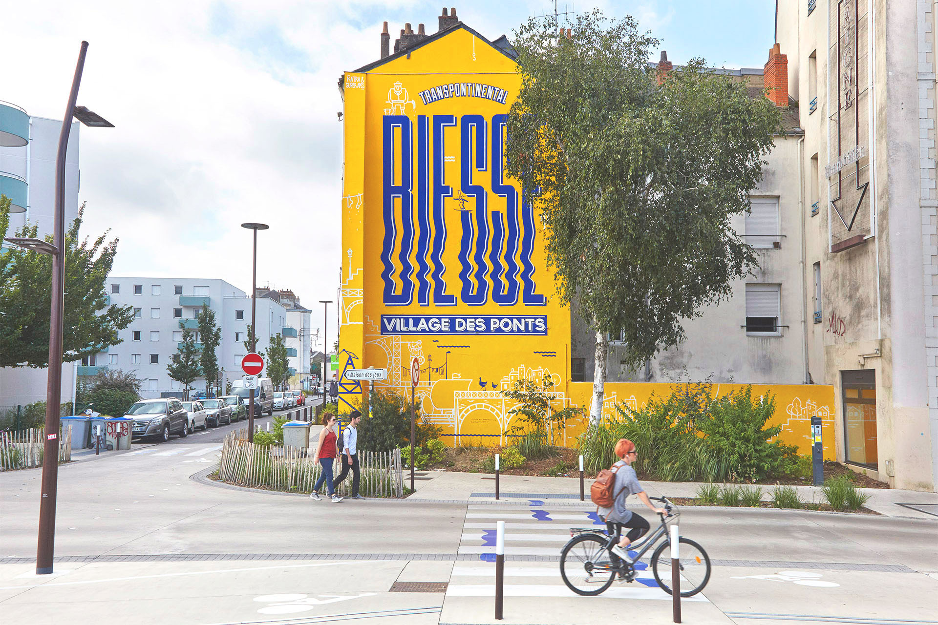 M-Màj Signalétique urbaine rue Biesse Nantes peinture en lettres rue Biesse nantes